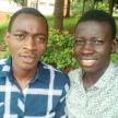 Rodgers Rwothungeo (à droite) et un ami