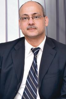 Total Driss el Amrani, director