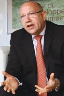 Total Paul Ginies, directeur de l'institut universitaire 2IE