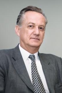 Total Svein Osttveit-directeur du bureau executif, departement de l'education de l'unesco