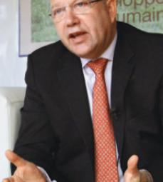 Total Paul Ginies, directeur de l'institut universitaire 2IE